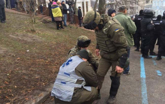 Столкновения под Радой: полиция сообщила о 16 пострадавших