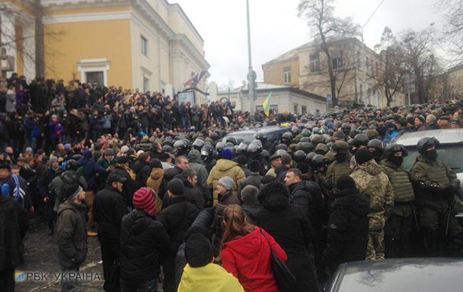 Задержание Саакашвили: активисты избили полицейского