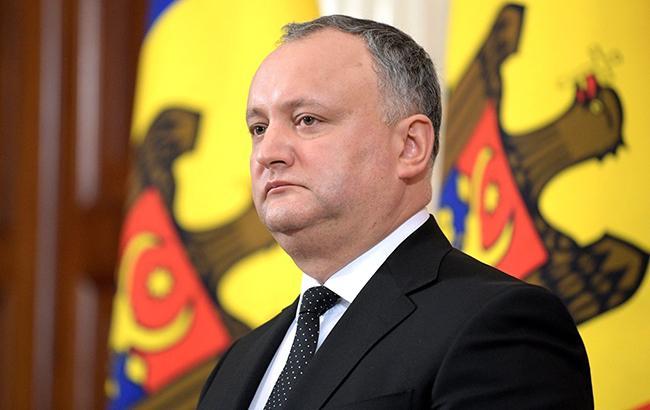В Молдове Конституционный суд приостановил полномочия президента Додона
