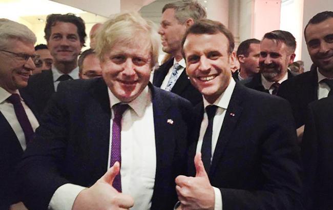 Джонсон предложил построить мост между Британией и Францией