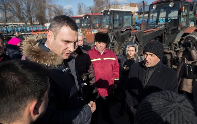 Кличко: в Киеве привлечены все резервы для закупки современной коммунальной техники