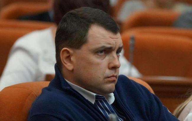 Подозреваемый в антисемитизме депутат горсовета Днепра выехал в Крым