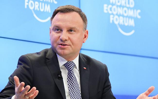 Президент Польши рассчитывает на конкретные шаги Украины в вопросе эксгумаций