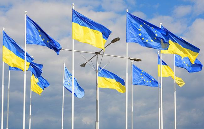 Президент намерен закрепить в Конституции стремление Украины к вступлению в НАТО и ЕС
