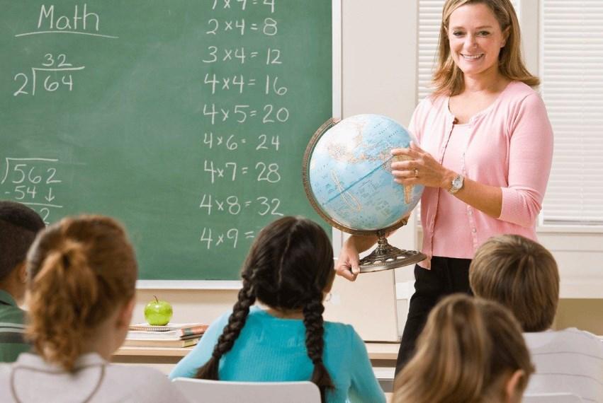 На сколько бы выросла зарплата учителей, если бы не коррупция: невероятные цифры