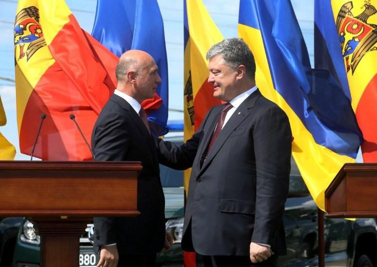 Порошенко созвонился с премьером Молдовы: появились детали разговора