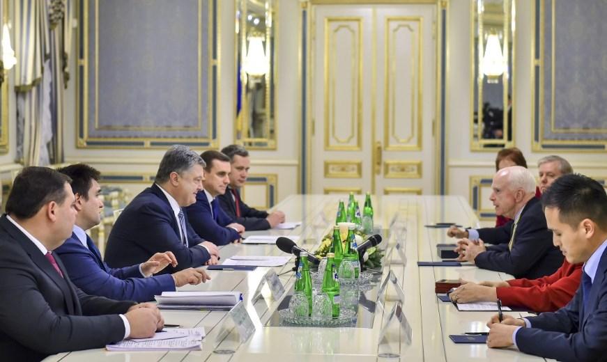 Представитель Госдепа в Киеве обсудил военное положение и освобождение украинских моряков