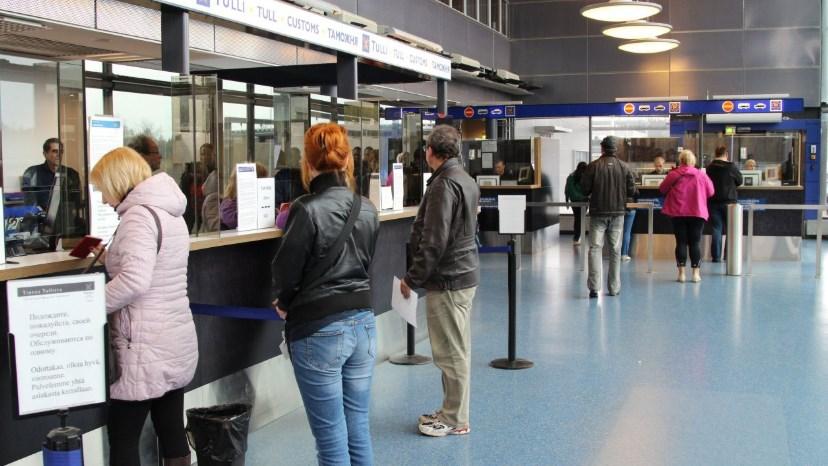Иностранцы больше не будут получать визы в украинских аэропортах