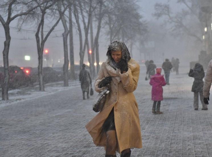 Снег, гололед и накаты: в «Укравтодоре» отчитались о ситуации на дорогах страны