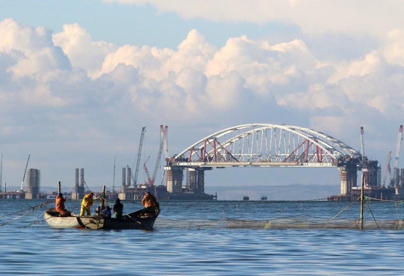 Керченский пролив закрыт для прохода судов: названа причина
