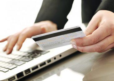 Все про отримання швидких кредитів на карту в Україні